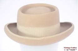 Ladies round hat beige felt 56