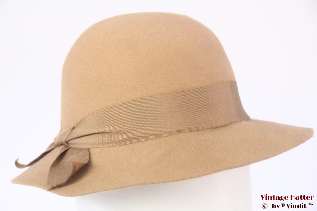 Ladies hat beige felt 54,5 (XS)