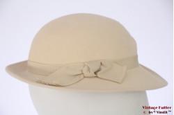 Ladies hat creamy white felt 54 (XS)