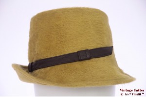 Ladies hat greenish yellow fur felt 57