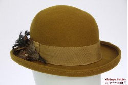 Ladies bowler hat curry green with feathers 56,5