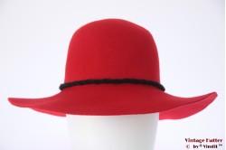 Floppy hat red felt with black robe 56-57