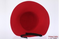 Floppyhoed rood vilt met zwart koord 56-57