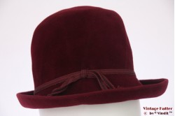 Ladies hat Favorite Modell burgundy red velour 56