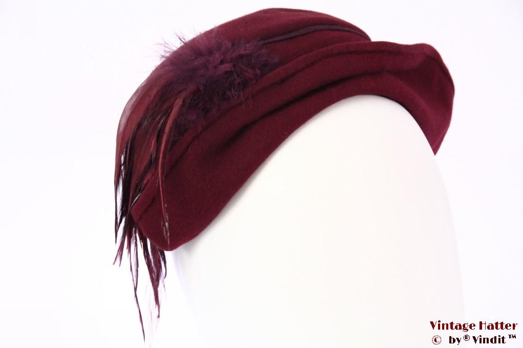 Fascinator burgundy felt with feathers 55-57