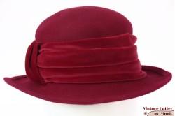 Dameshoed bordeaux donker rood-roze met velour band 54-56