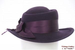 Ladies hat dark purple felt 54,5 (XS)