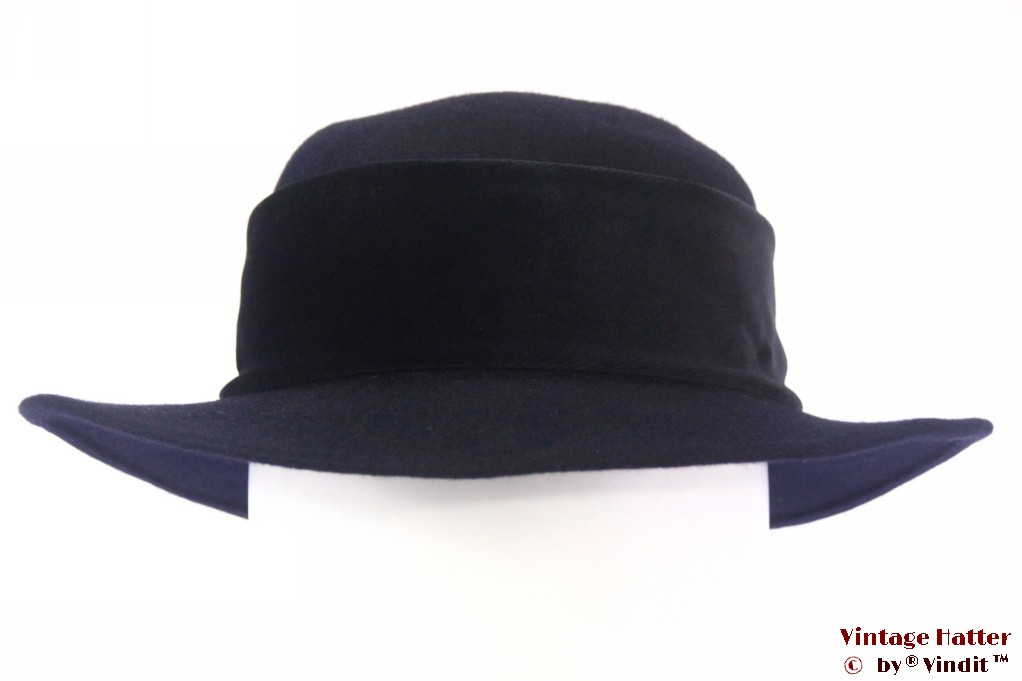 Ladies hat dark blue felt with black velvet band 56