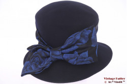 Ladies hat British Hat Guild dark blue with floral band 60 (XL)