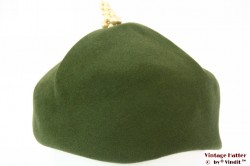 Ladies cocktail hat green felt with pin 56