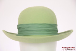 Ladies hat Karpet pastel green felt 57