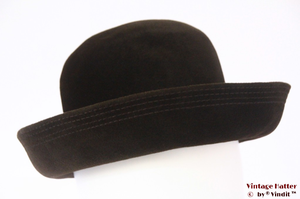Ladies hat dark brown velour 56