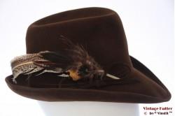 Ladies hat dark brown velvet with feathers 57