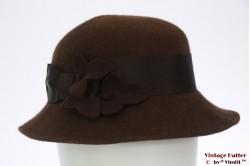 Ladies hat brown flet with felt flowers 55 (S)