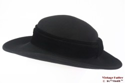 Ladies hat Canda wide black felt 57