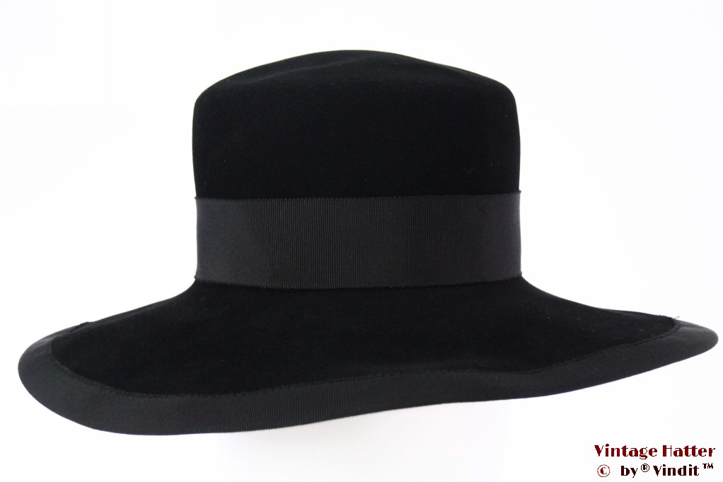 Wide ladies hat Dorothea Schlieben black velvet 55-56