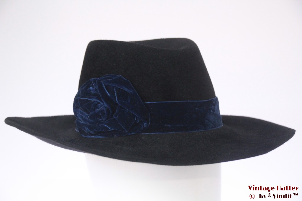 Wide ladies hat Marzi black velour 57