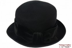 Ladies hat black felt with velvet band 56