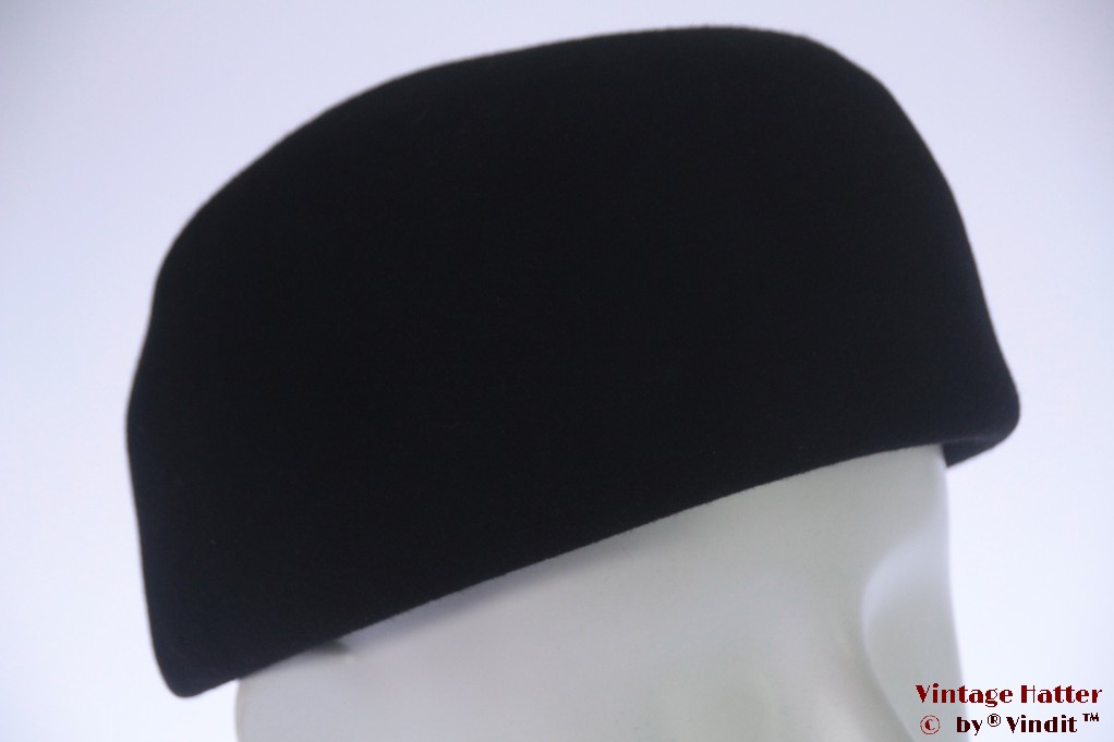 Cocktail hat Hilde Otto plain black felt 53-54 (XXS)