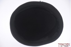 Cocktail hat black felt with felt flowers 55-56