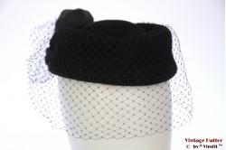 Cocktail hat black felt with veil 56
