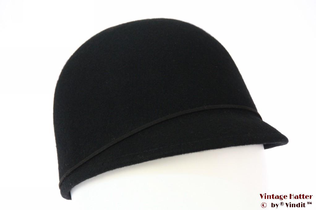 Cap type ladies hat black felt 56