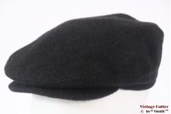 Platte pet Lloyd Fashion donker grijs met oorwarmer 57