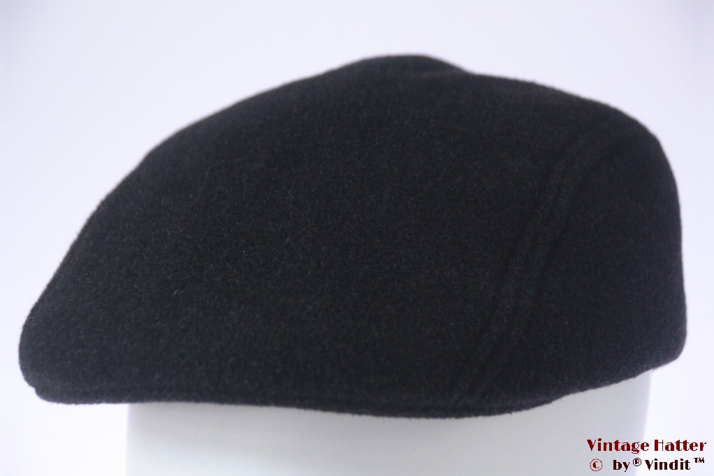 Flatcap black preshaped 58