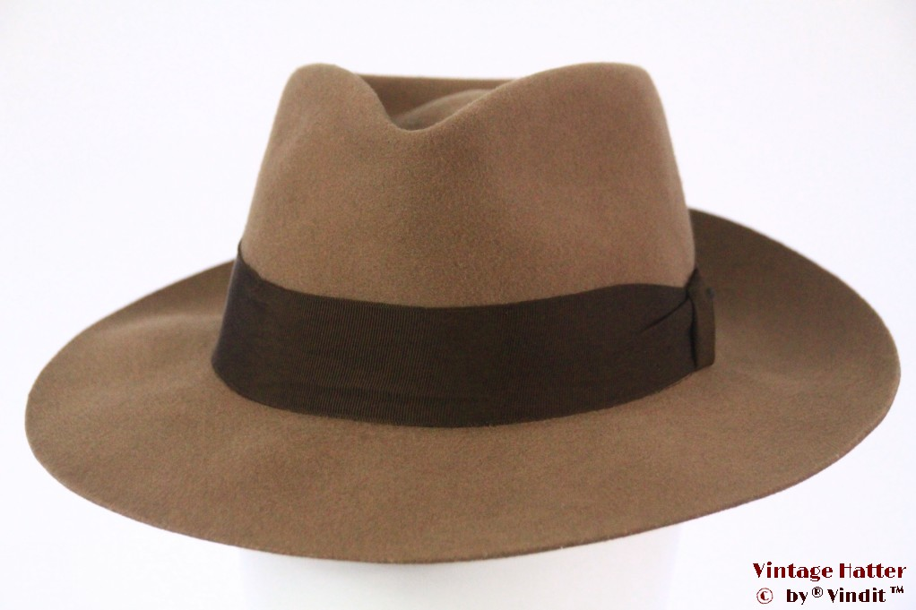 Bogart-type fedora diamond shaped beige brown felt 57