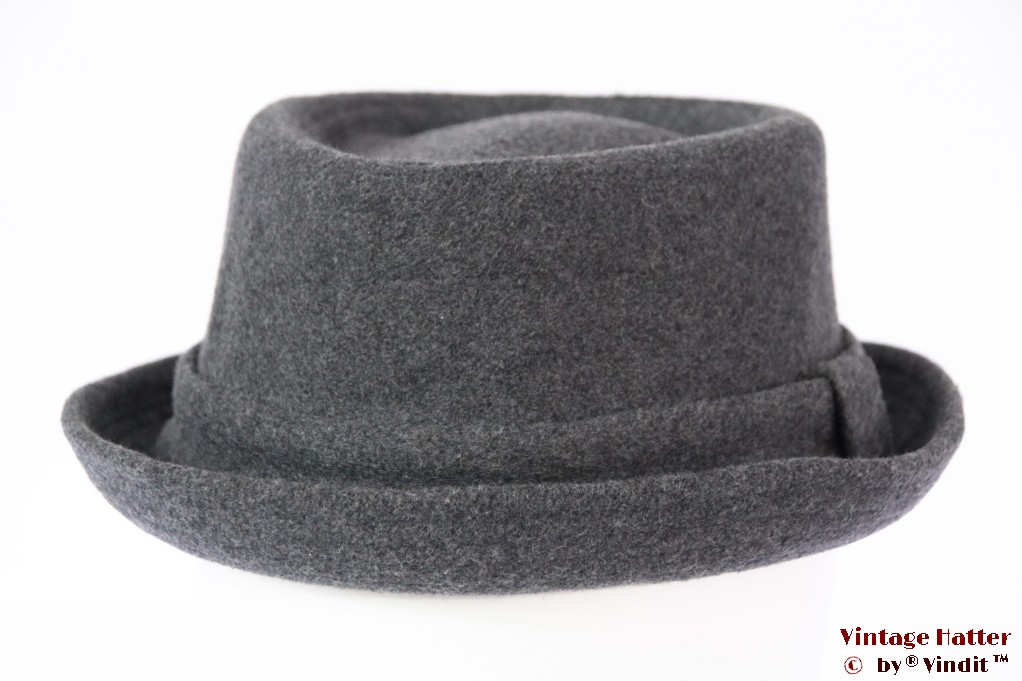 Porpkie hat Calliope diamond shaped grey 57
