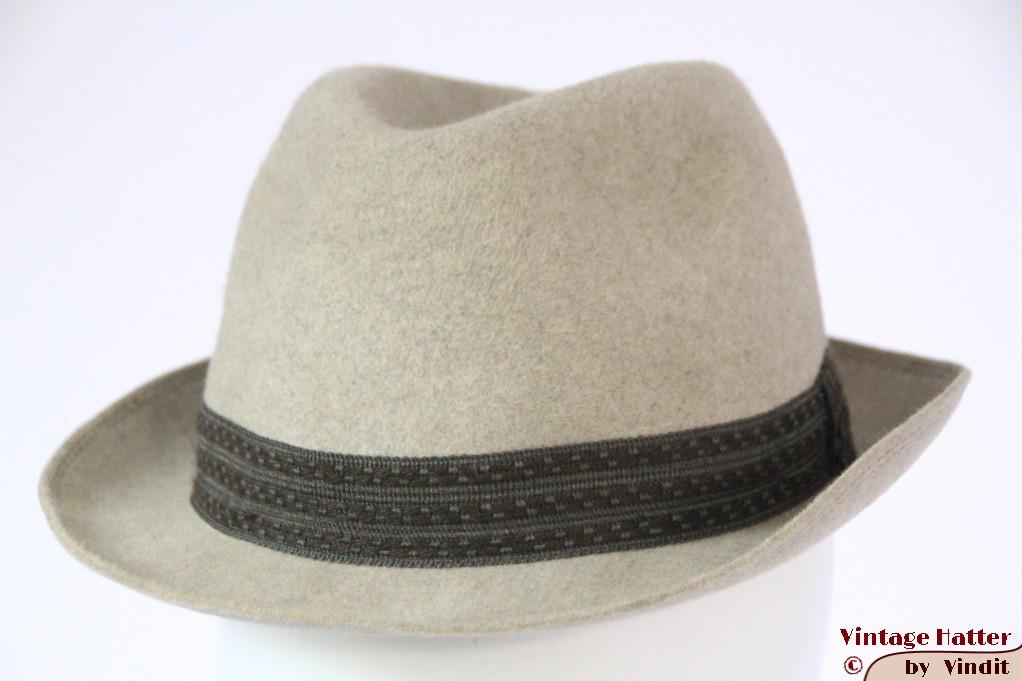 Fedora Hellos  (DDR) beige grey fur felt 56