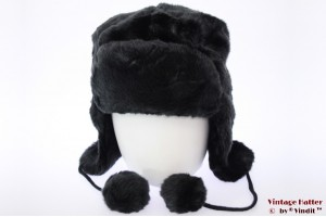 Hawkins aviator type hood black faux fur with pompons 59 [new]