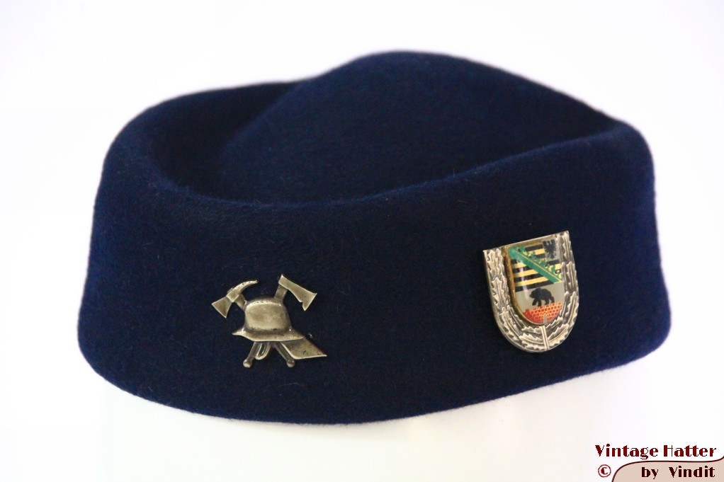 Ladies uniform pillbox hat Berlin Feuerwehr blue felt 50-56