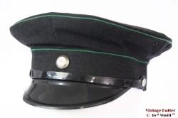 Uniformpet donker grijs met groene biezen 56