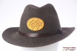 Outdoor hat brown woolfelt with yellow emblem 57
