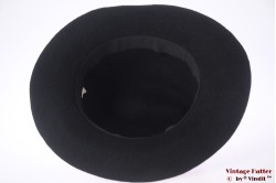 Outdoor hat black felt with band of laces 56