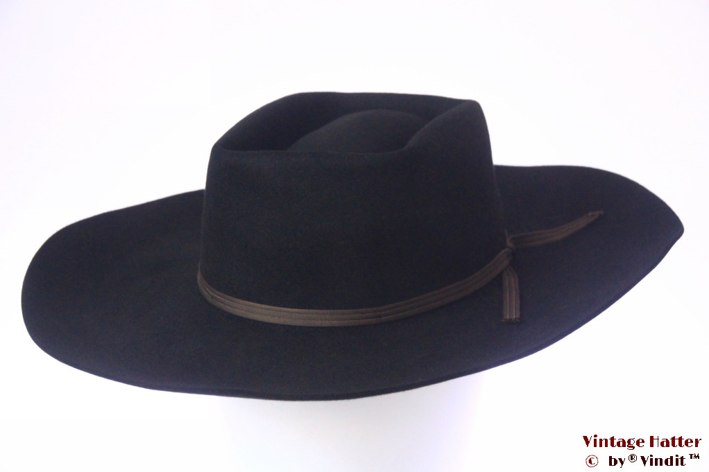 Wide western hat Resistol Dakota black felt rectangular top 57