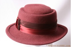 Ladies hat burgundy purple 56