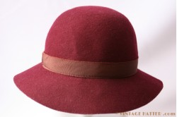 Ladies hat burgundy purple 55