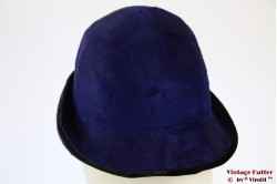 Cloche purple blue fur felt with feathers 55