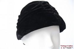 Cloche hat black velvet 55