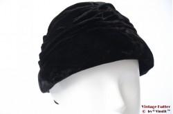 Cloche hat black velvet 55