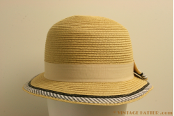 Cloche Hawkins cream 57 [new]
