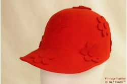 Cap Sisley red with felt flowers 57