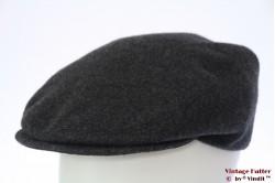 Platte pet Fiebig donker grijs wol 57