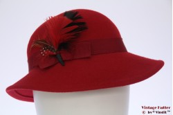 Ladies hat red felt with feathers 56