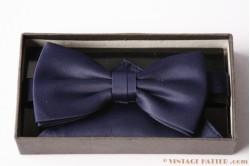 Bowtie + handkerchief dark blue